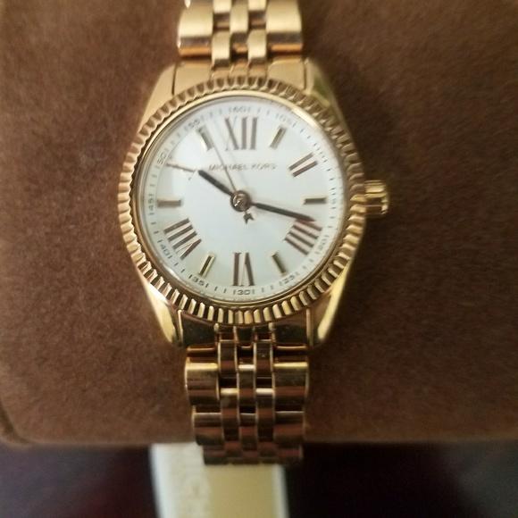8f6e32871aaf Michael Kors MK3230 Rose Gold Women s Watch